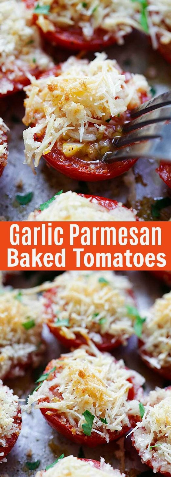 Garlic Parmesan Roasted Tomatoes are so juicy, plump and delicious. The panko breadcrumbs make them so crunchy!