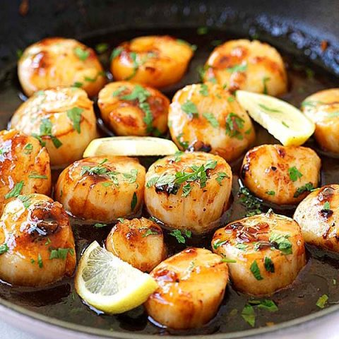 Honey Sriracha Scallops
