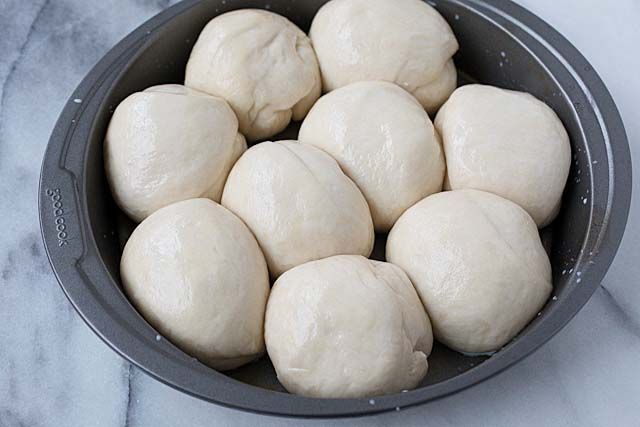 Dinner Rolls Soft Sweet And Fluffy Recipe Rasa Malaysia