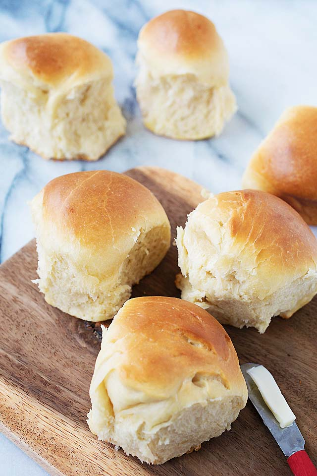 Soft, fluffy and sweet dinner rolls buns.
