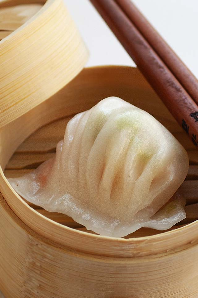 Har gow recipe with shrimp and bamboo shoot.
