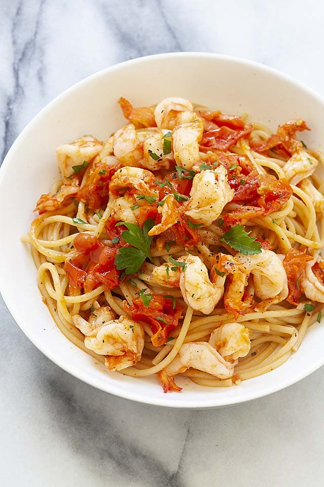 Healthy shrimp pasta with red sauce, ready to serve.