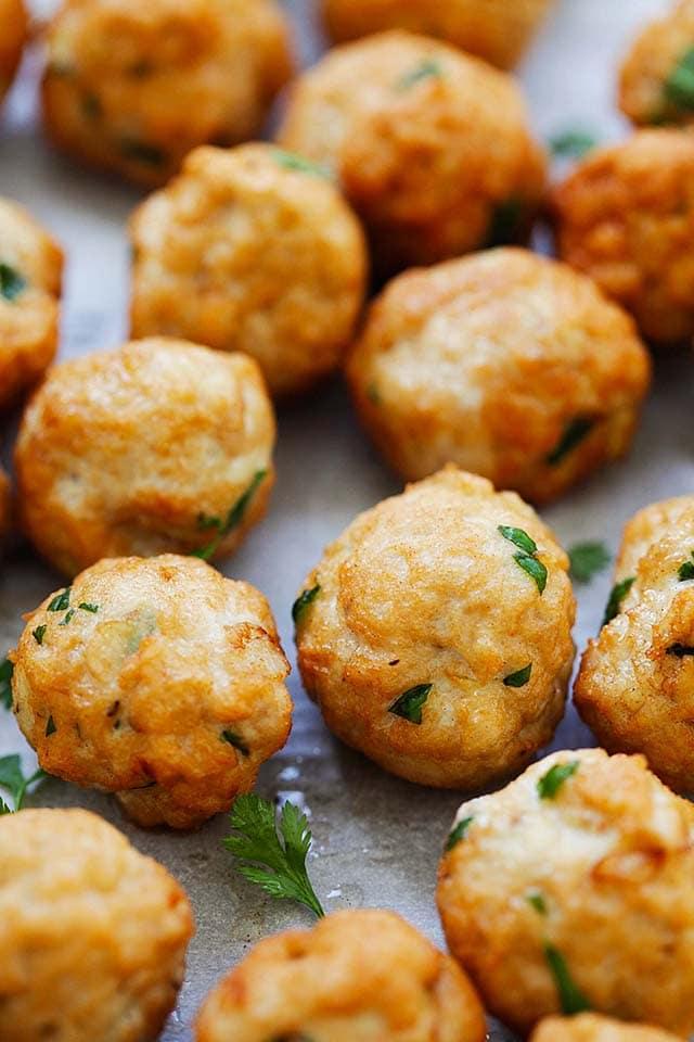 Ground chicken meatballs are ketogenic.