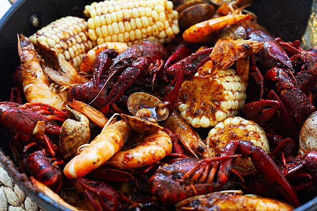 Seafood boil in a skillet.