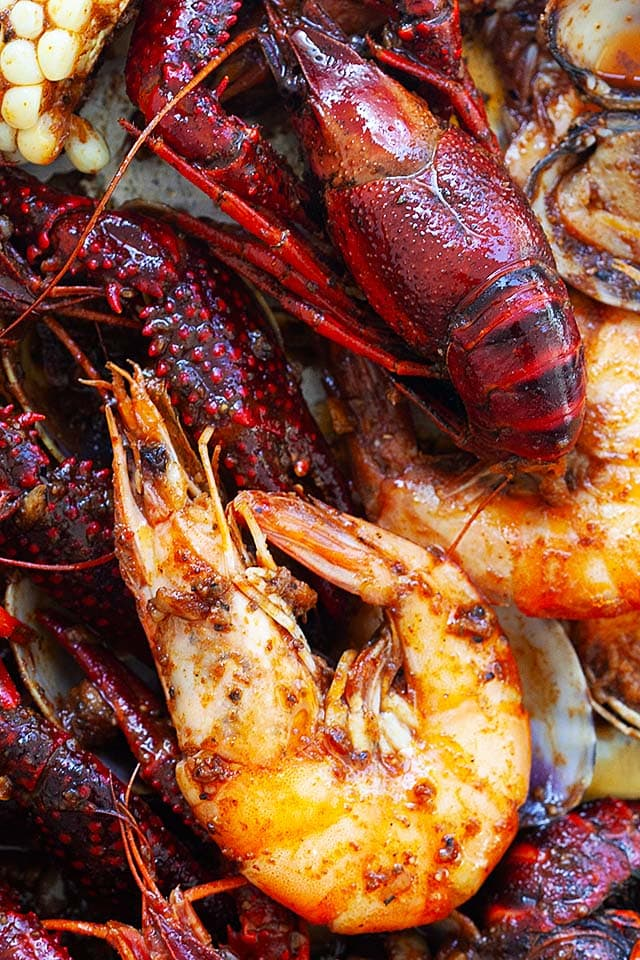 Ultimate seafood boil recipe with cajun seafood boil and boiled seafood New Orleans.
