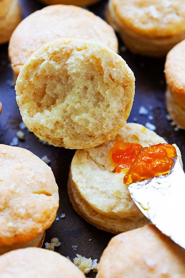Biscuits with apricot preserves, ready to be eaten.
