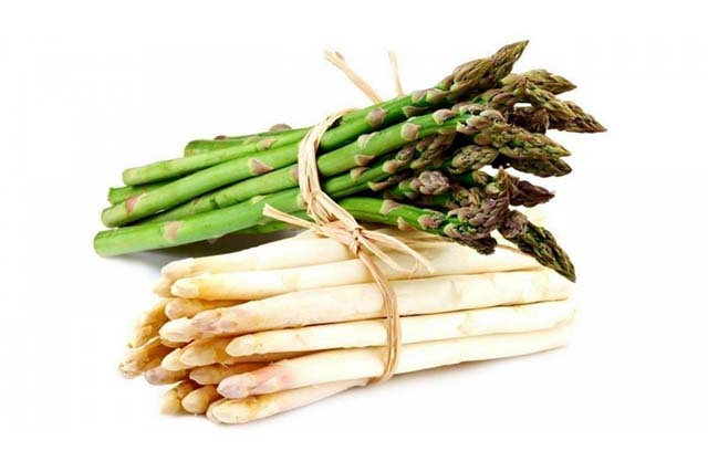 You can use green asparagus or white aspagarus for sauteed asparagus.