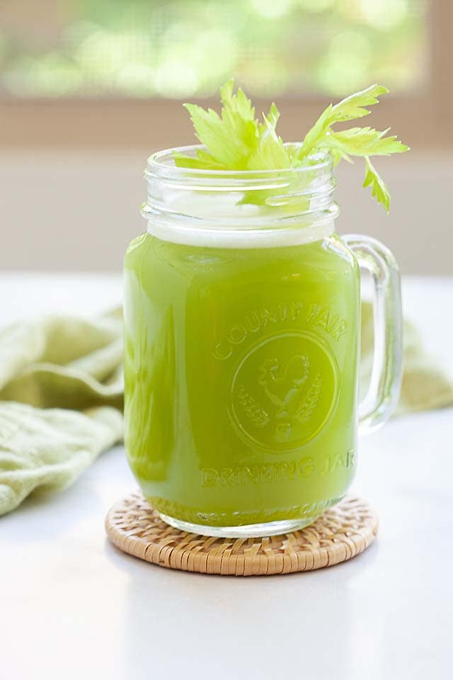 How to make celery juice using a blender.