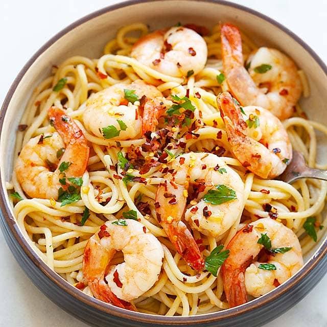 Spaghetti Aglio E Olio The Best Recipe With Shrimp Rasa Malaysia