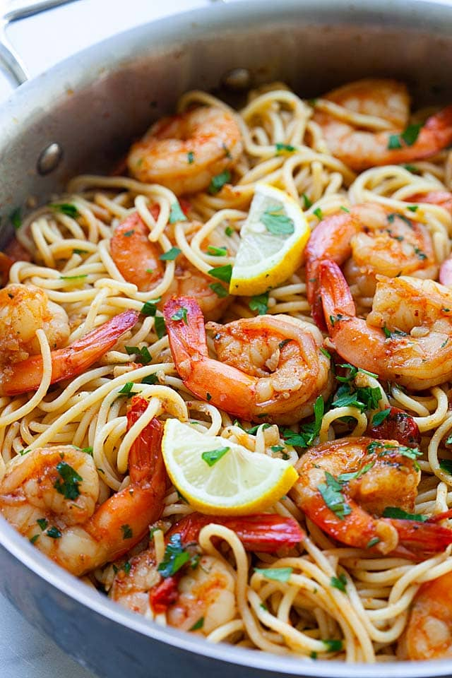 Shrimp pasta tomato with red sauce