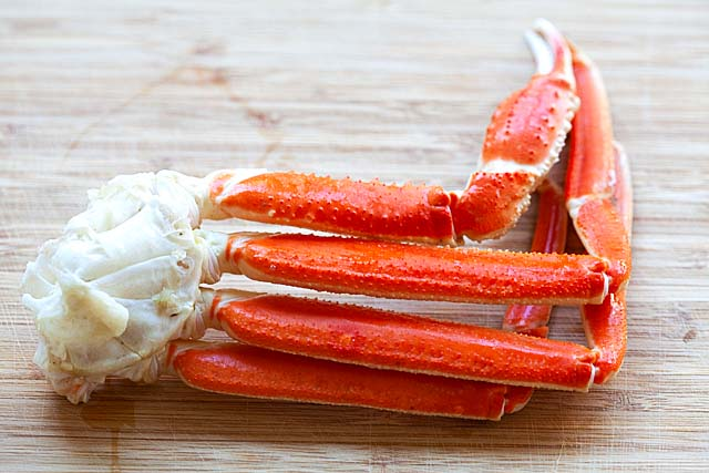 A snow crab cluster.