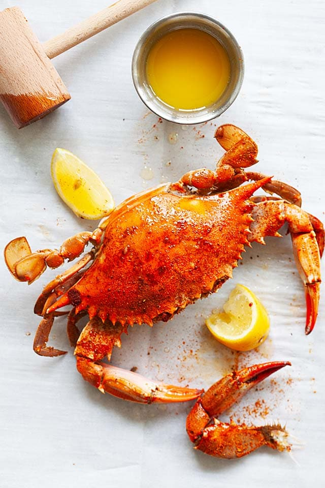 Blue crab cooked and how to eat blue crab.