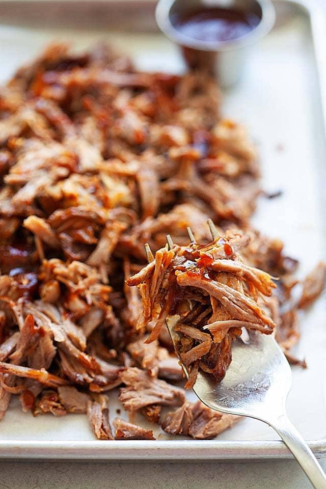 How to make pulled pork? Get pulled pork recipe.