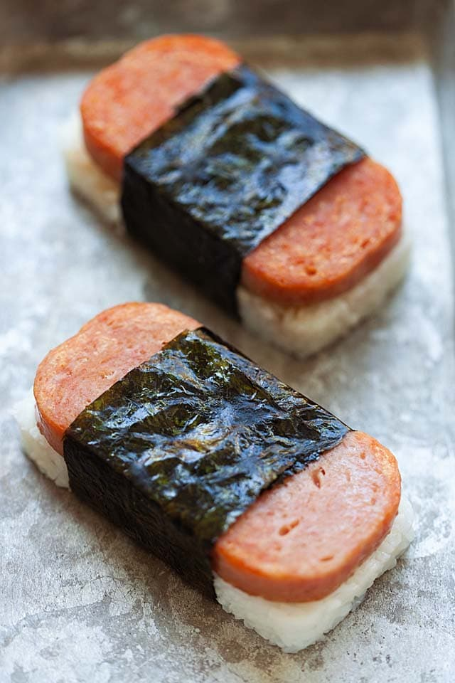 Spam musubi, ready to serve.