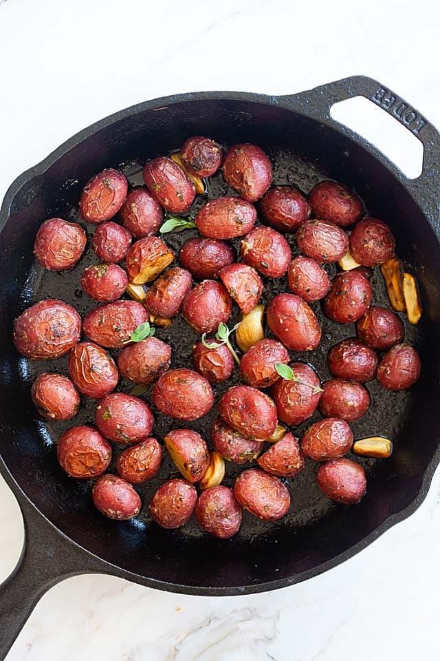 Fırında kavrulmuş bebek patates