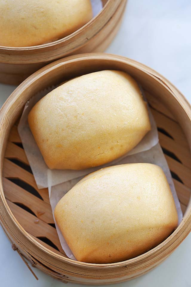 Mantou recipe made of sweet potatoes, flour, yeast and water.