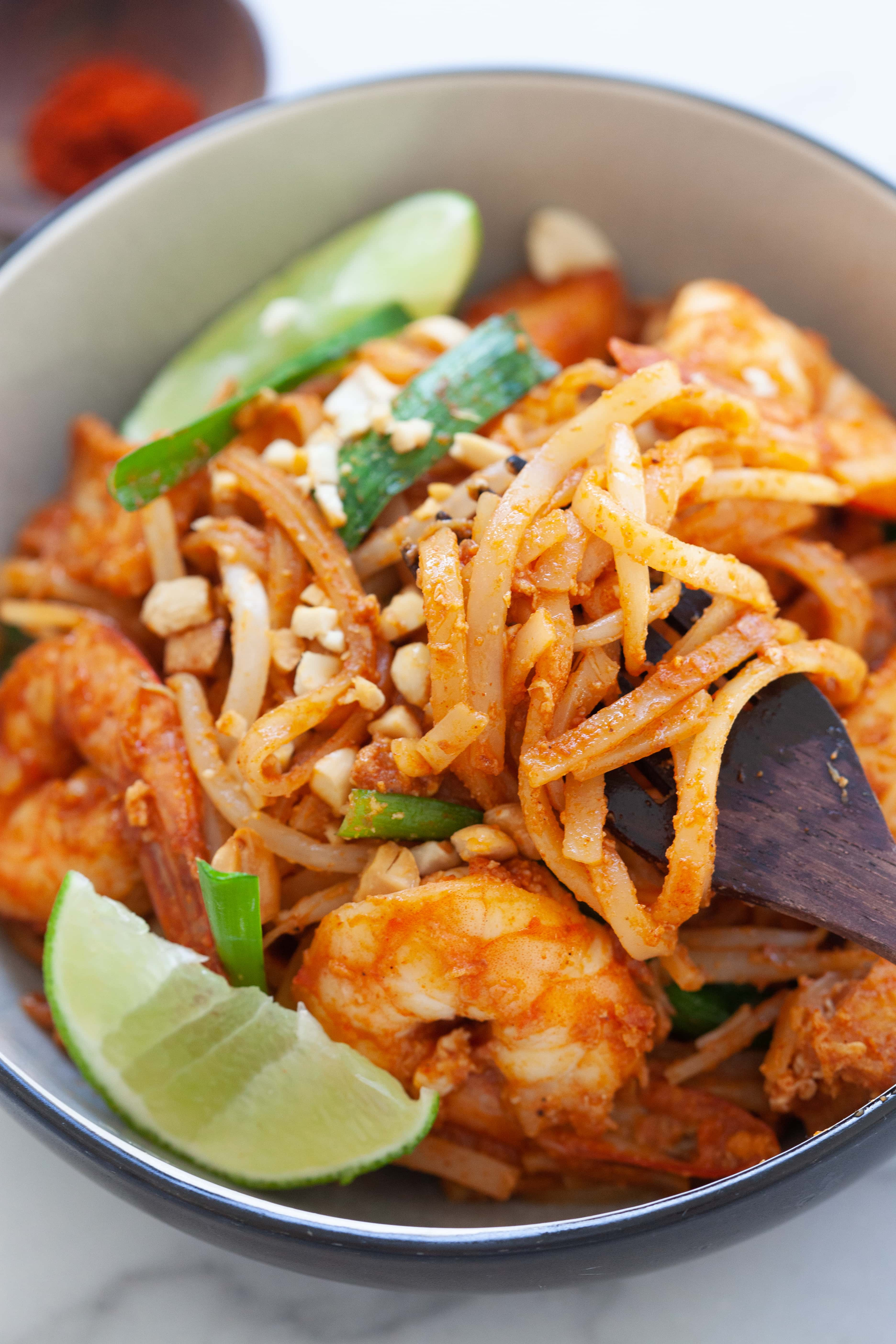 Pad Thai recipe with rice sticks, shrimp and tofu.
