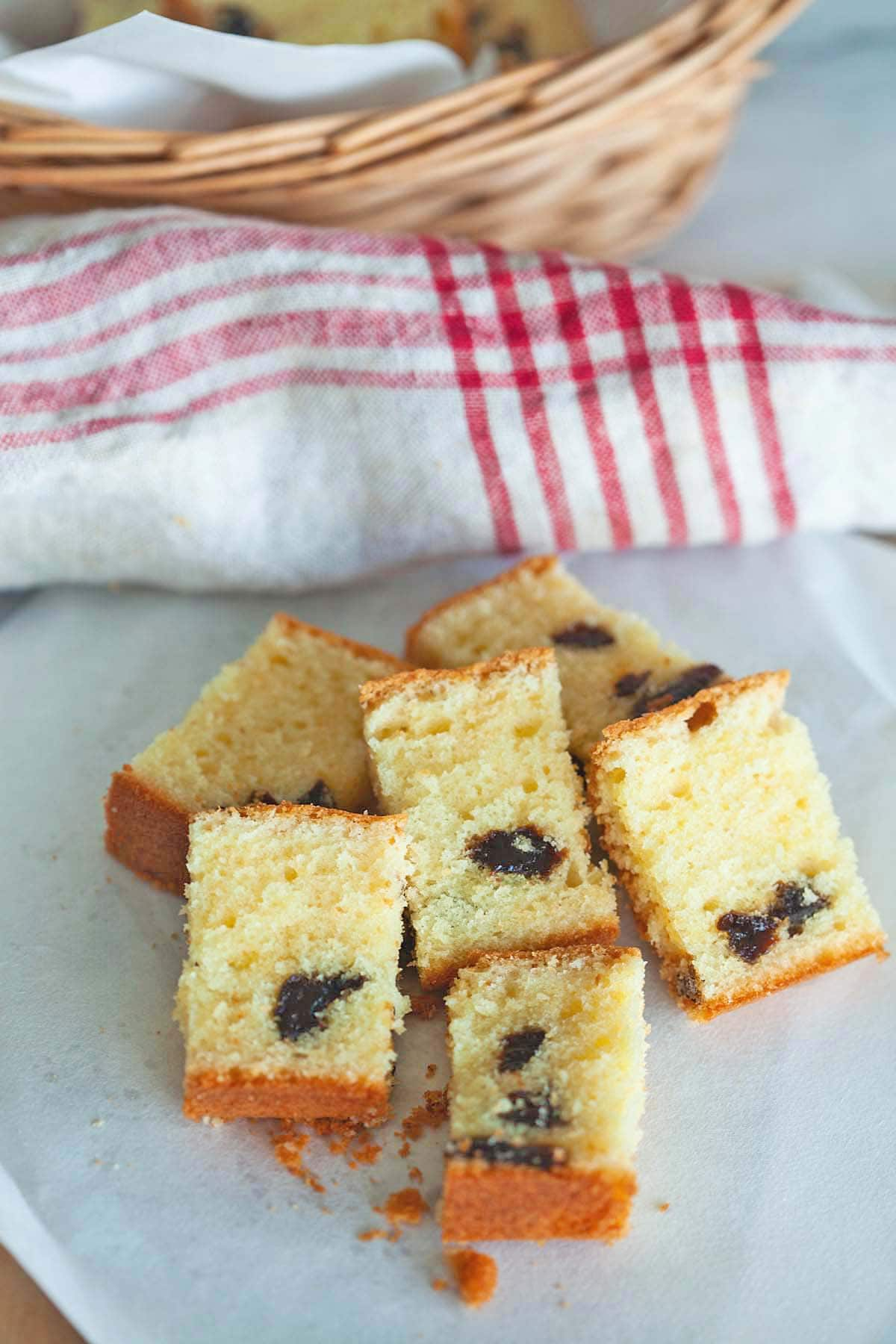 Brandy butter cake with prunes.