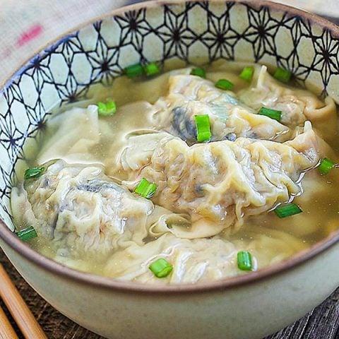 pork dumplings soup