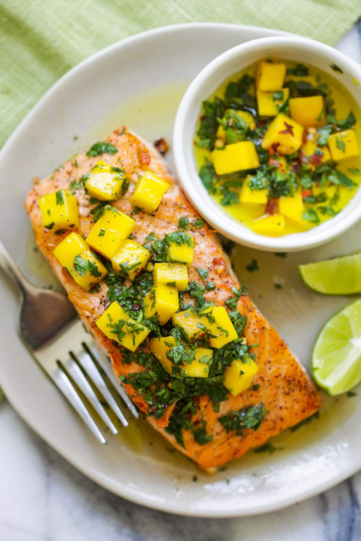 Easy and quick chimichurri salmon recipe with mango.