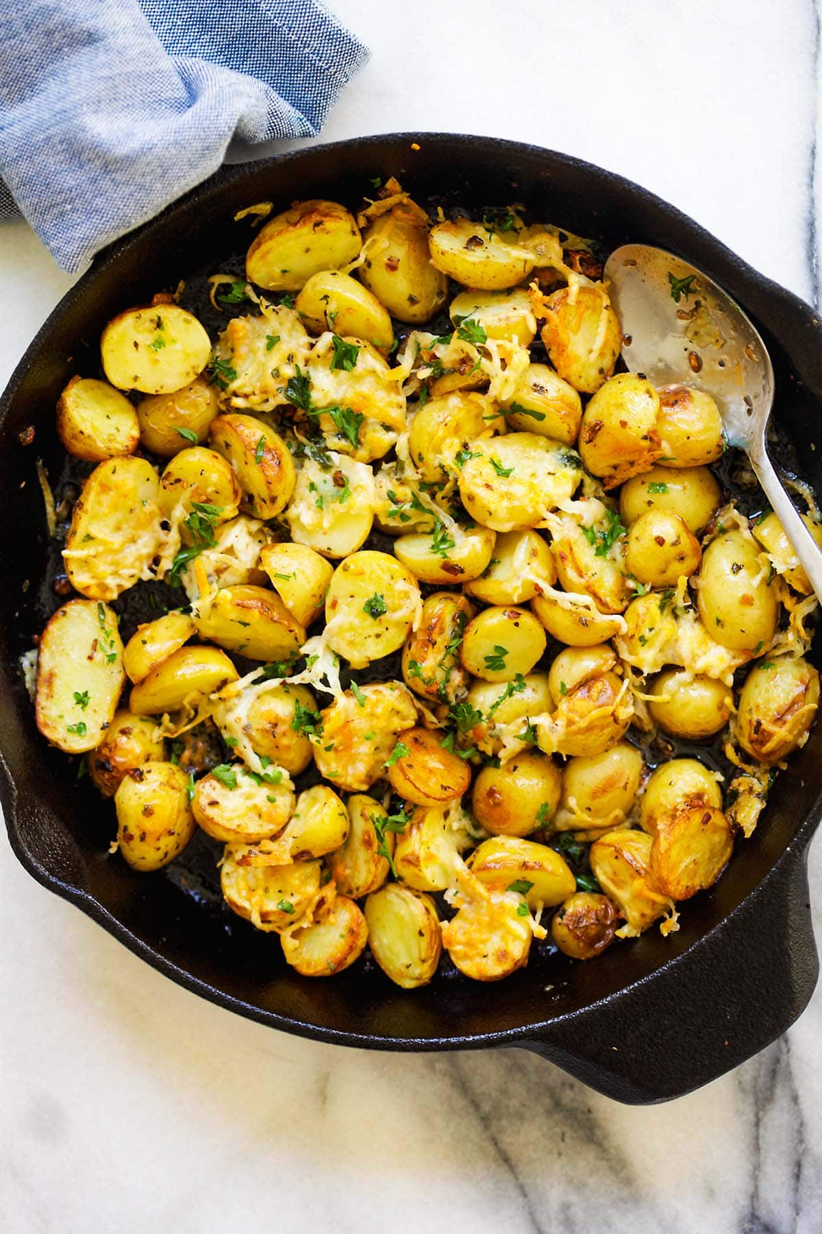 Easy and quick Italian roasted potatoes one pot.