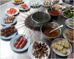 The Art of Communal Dining: Lok Lok
