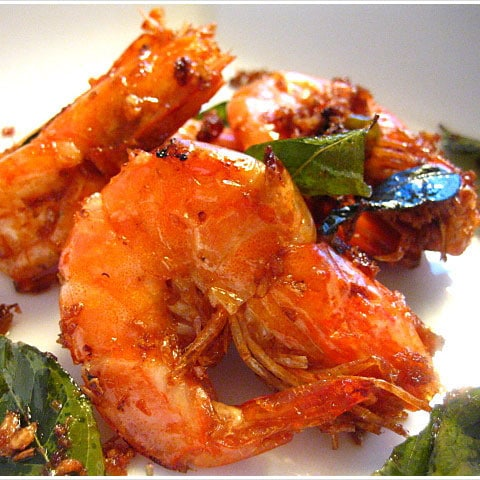 Butter Prawn Recipe - buttery, salty, sweet, spicy, and garlicky working off one another seamlessly and perfectly in this recipe | rasamalaysia.com