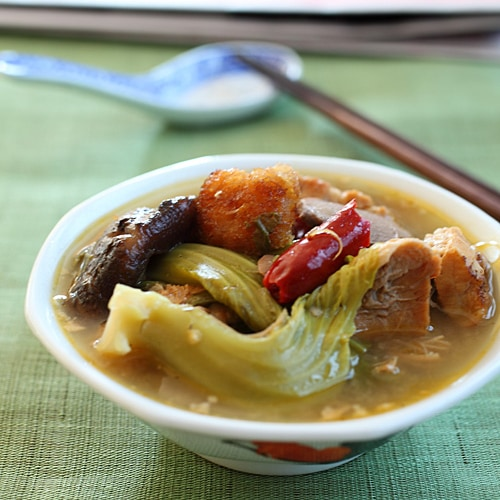 The key ingredient of Chai Buey is usually some sort of meat–roast pig, barbeque pork, duck, or chicken. The end result is a hearty soup with intense flavor and lots of hidden treasures! | rasamalaysia.com