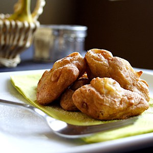 Kuih Kodok (Malaysian Fried Banana Fritters)