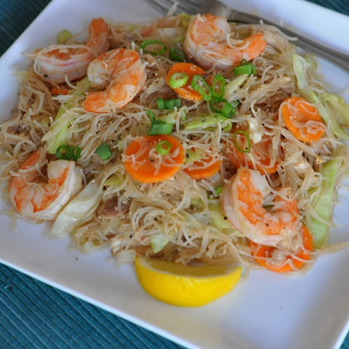 Pancit Bihon (Filipino Fried Rice Noodles)