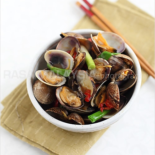 Taiwanese-style Clams