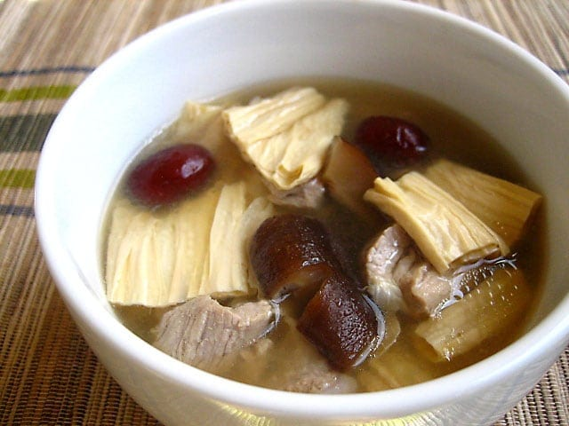 Beancurd Sticks with Pork Ribs Soup (Teik Gah Kee Soup)