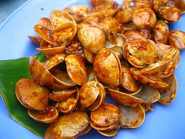 Grilled Clams with Curry Paste