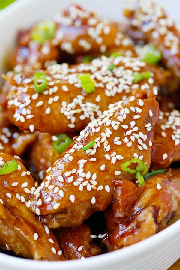 Close up slow Cooker Honey Sesame Chicken Wings.